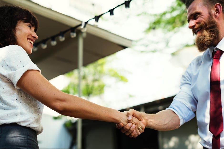 Учителя: Като срещнете някой човек, намерете доброто в него, а не погрешките му